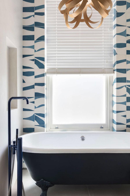 Mooi badkamerontwerp met moderne gemakken uit Londen