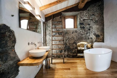 Mooie Badkamers Fotos : Mooie badkamer van boetiekhotel monaci delle terre nere