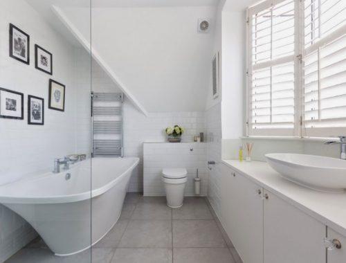 Mooie badkamer met erker