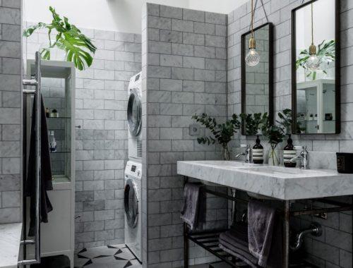Mooie badkamer met een mix van verschillende mooie materialen
