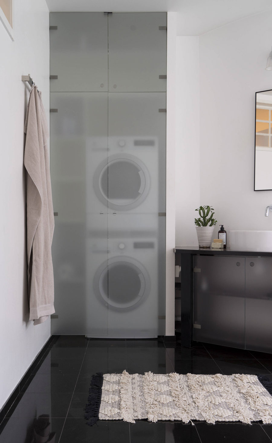 Mooie oplossing voor ronde muur in de badkamer