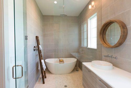 Natuurstenen vloer in badkamer