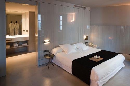 Open badkamer van caro hotel badkamers voorbeelden for Open plan bedroom bathroom