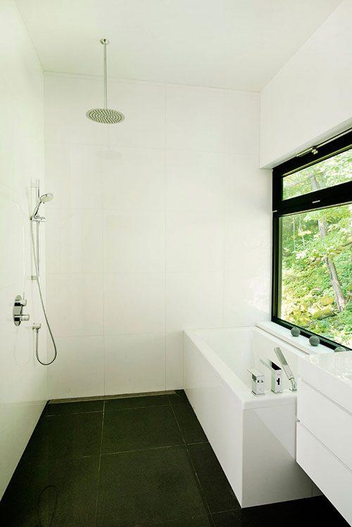 Open douche in een moderne badkamer badkamers voorbeelden - Open douche ruimte ...