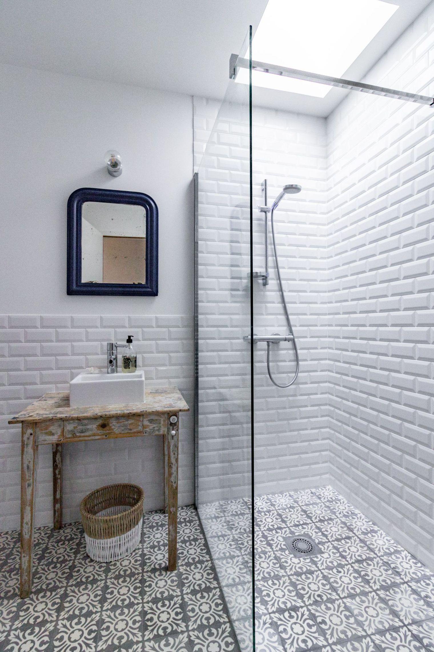 Faience Cuisine 2015 : Patroontegels en metrotegels combineren in de badkamer
