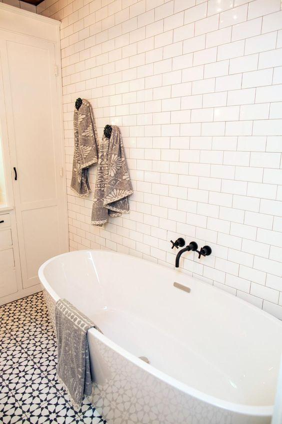 Patroontegels en metrotegels combineren in de badkamer