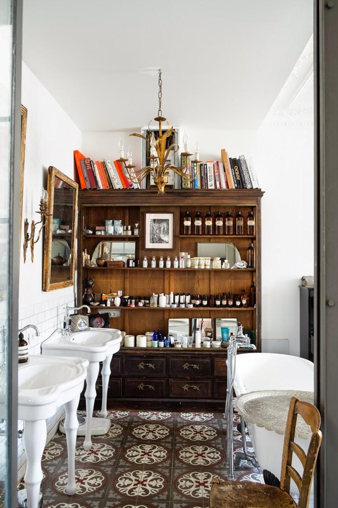 Prachtige klassieke badkamer in Parijs