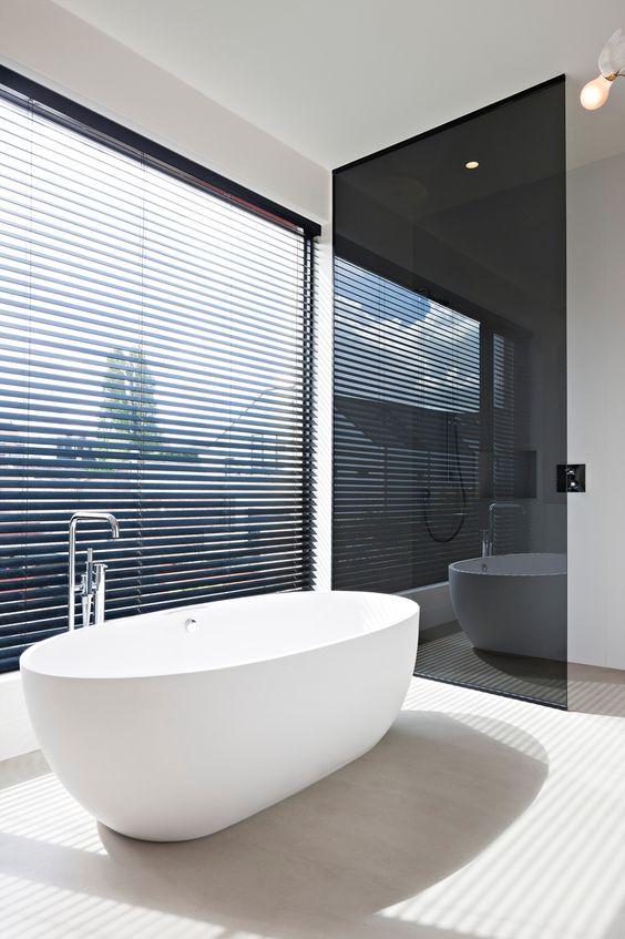raamdecoratie-badkamer