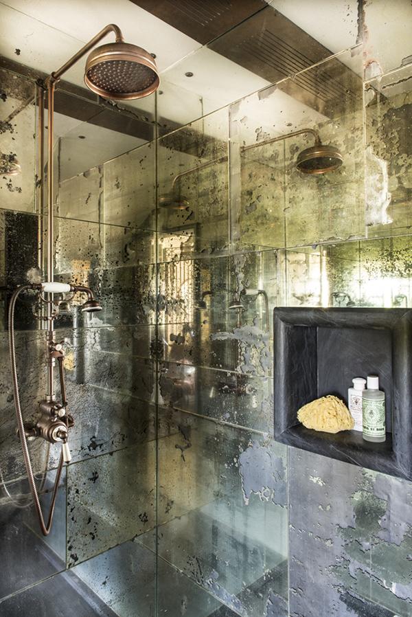 Rustiek landelijke badkamer van een Italiaanse woonboerderij