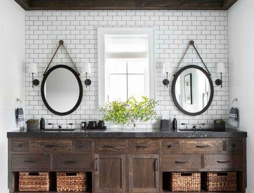 rustieke badkamer houten badkamermeubel