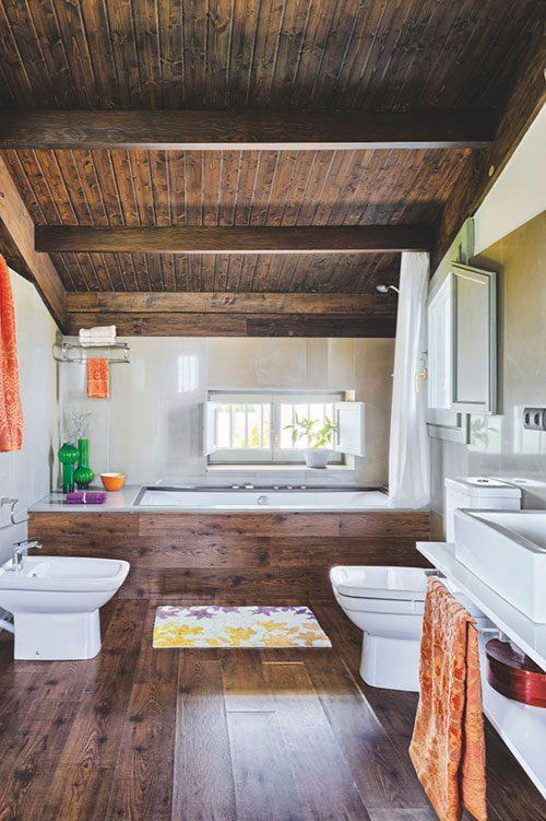 Rustieke badkamer met moderne sanitair - Badkamers voorbeelden