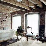 Rustieke badkamer op zolder