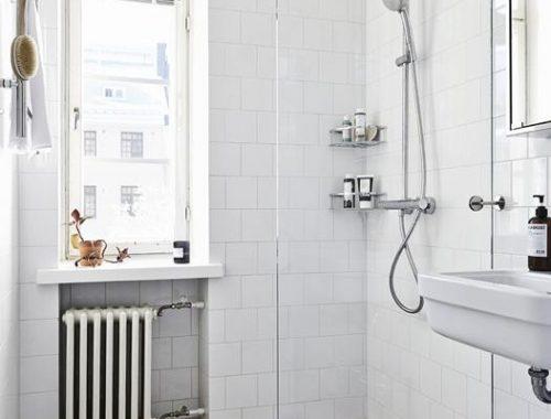 Scandinavische badkamer met hexagon tegels
