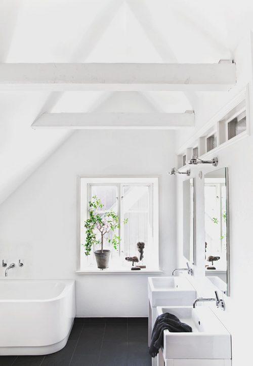 Scandinavische badkamer van Zweedse interieurstyliste - Badkamers ...