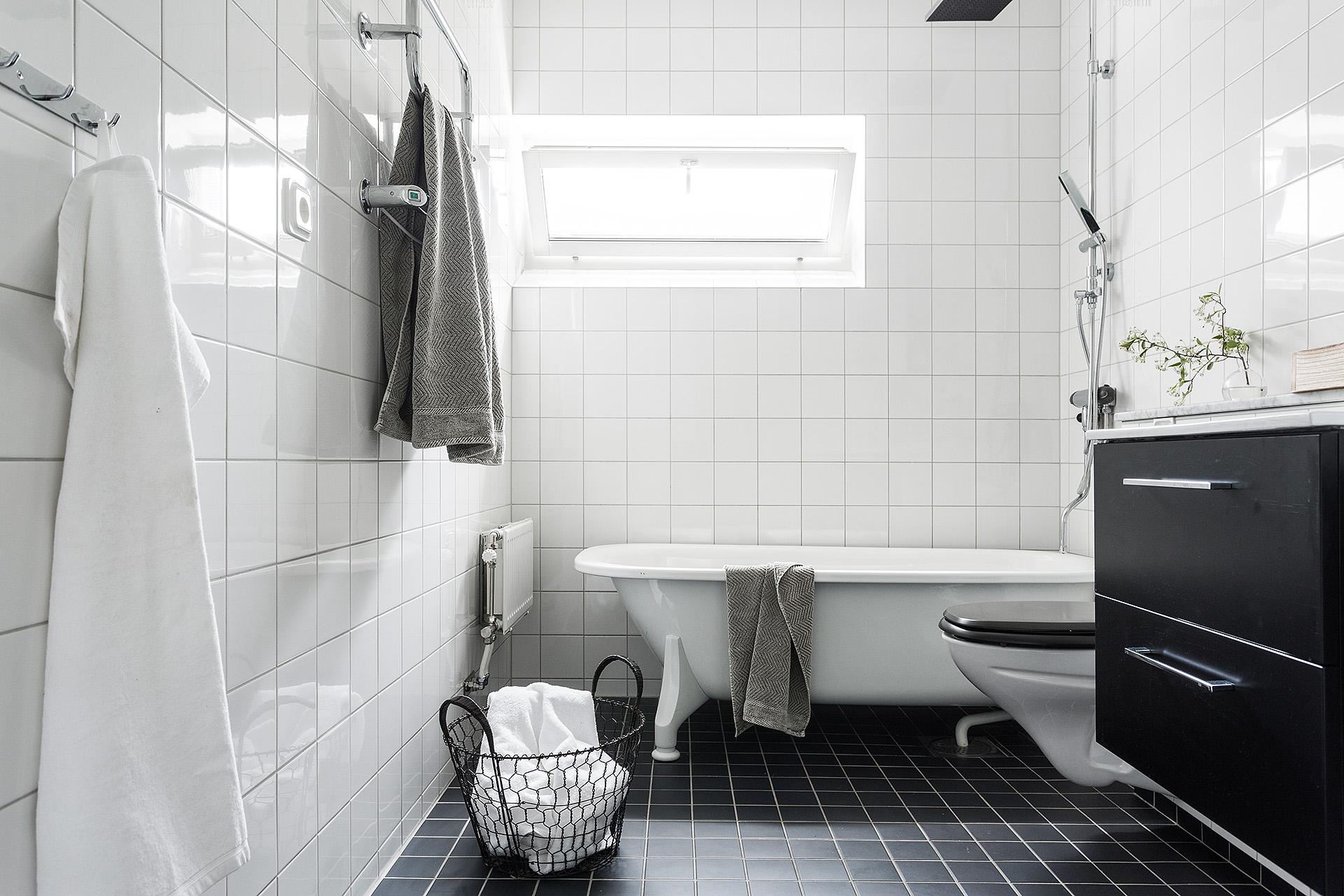 Ikea Badkamer Voorbeelden : Simpele ikea badkamer badkamers voorbeelden