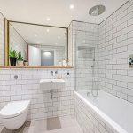 Simpele stijlvolle kleine badkamer
