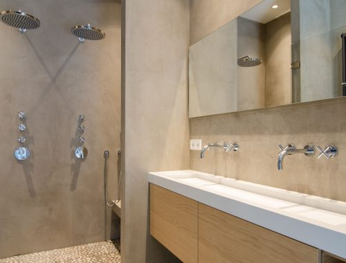 Slaapkamer badkamer combinatie in Amsterdamse grachtenpand