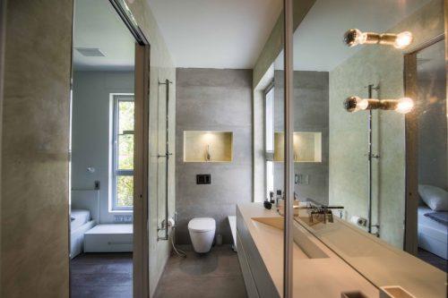 http://www.badkamers-voorbeelden.nl/afbeeldingen/smalle-badkamer-inrichting-500x333.jpg