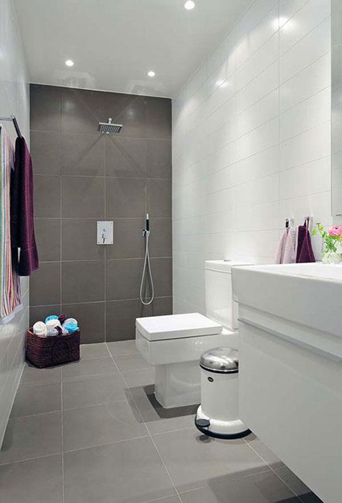 Smalle lange badkamer - Badkamers voorbeelden