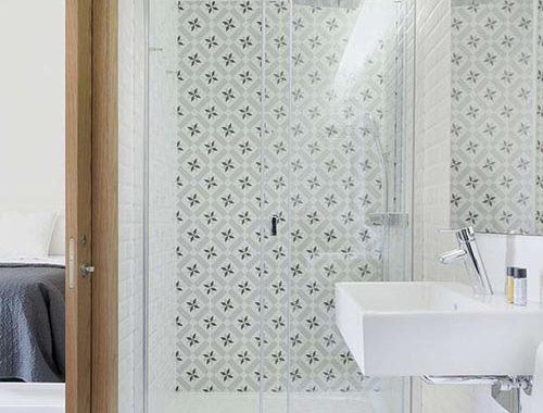 Stijlvol ontwerp voor kleine badkamer