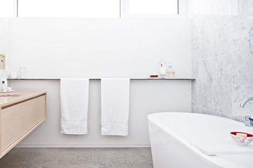 Badkamer Beton Interieur : Stijlvolle badkamer met marmer hout en beton badkamers voorbeelden