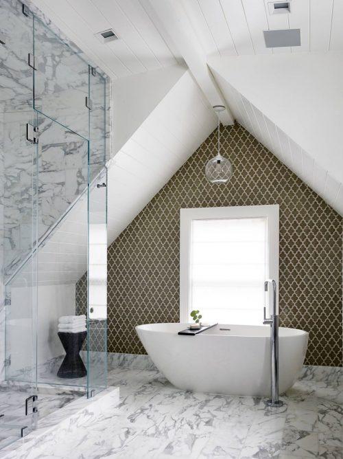 Stijlvolle badkamer traditionele Amerikaanse woning - Badkamers ...