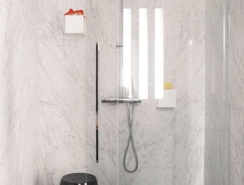 Stijlvolle badkamer in voormalige fabriek uit parijs