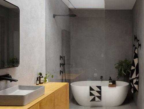 Stoere badkamer in moderne vrijstaande villa