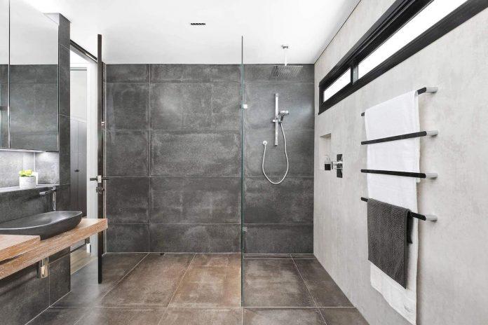 Stoere badkamer met een natuurlijk rustiek tintje