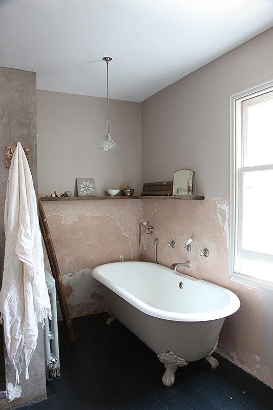 Stoere klassieke badkamer van een Victoriaanse woning