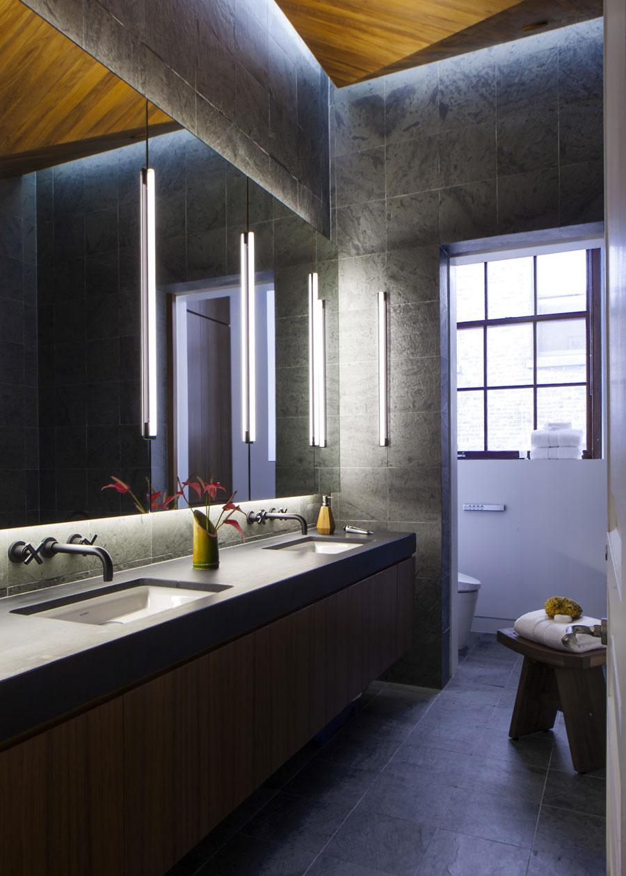 Stoere luxe badkamer in Soho appartement in New York