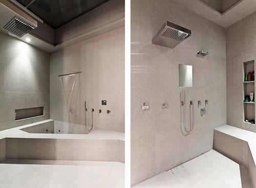 Super moderne woonkamer met driehoekig bad