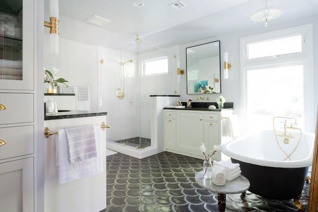 Totale badkamer verbouwing van een jaren '30 woning