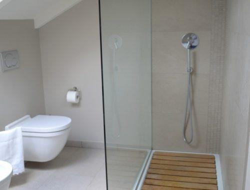 Tweede badkamer op zolder