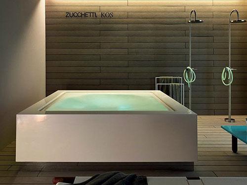 Vierkant bad jacuzzi van Zucchetti
