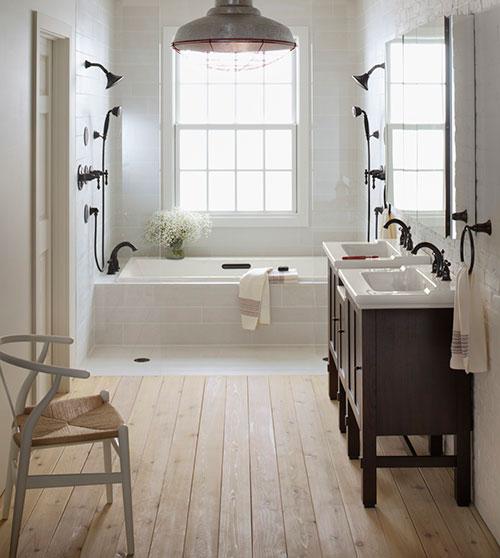 Vintage badkamer met dubbele douche - Badkamers voorbeelden