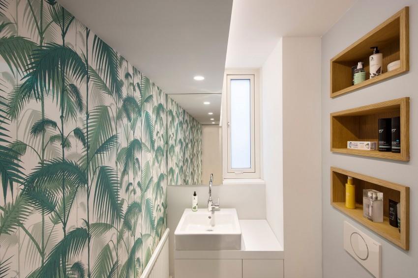 Indeling Smalle Badkamer : Smalle badkamer met jungle behang badkamers voorbeelden