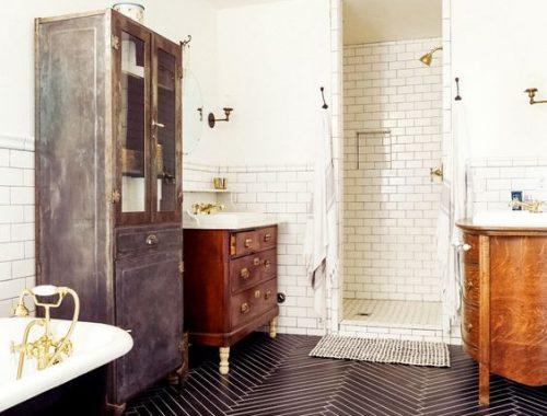 Visgraat tegels in badkamer