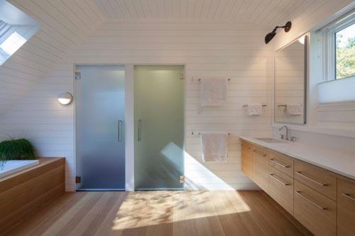 Warme houten planken in badkamer badkamers voorbeelden