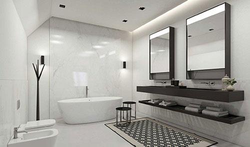 Witte badkamer met bruine meubelen badkamers voorbeelden - Bruine panton ...