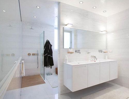 Witte badkamers voorbeelden