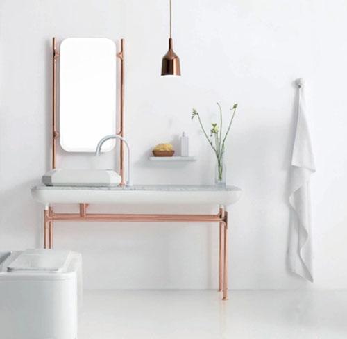 Witte koperen badkamer