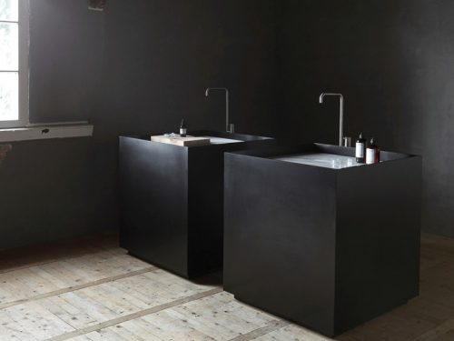Zwarte vierkante vrijstaande wastafels van NotOnlyWhite
