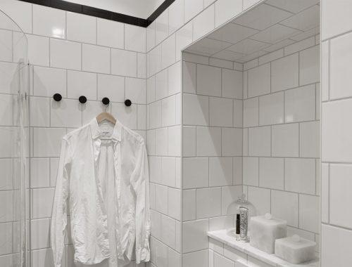Zweedse zwart wit badkamer