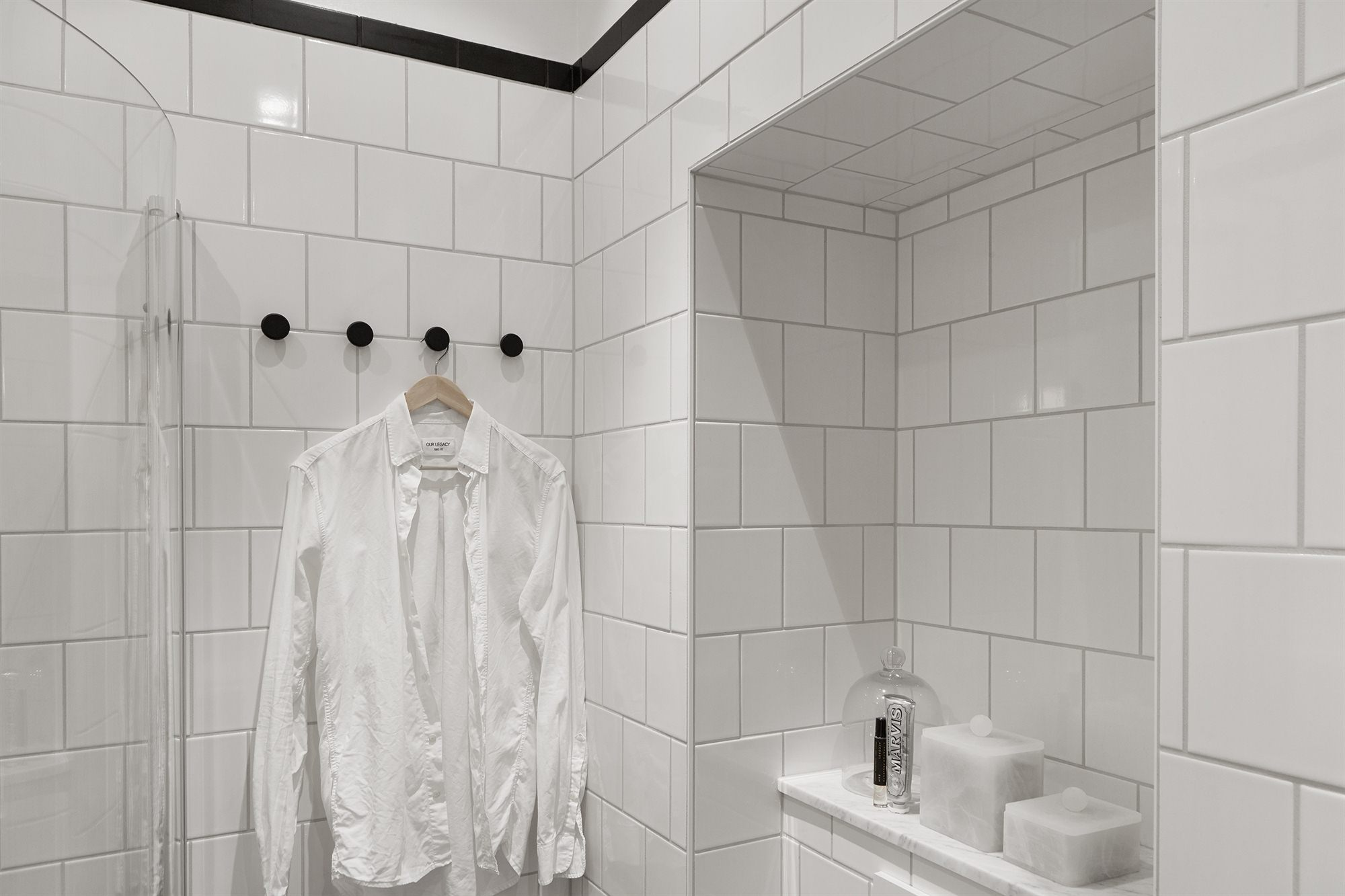 Hexagon Tegels Wit : Zweedse zwart wit badkamer badkamers voorbeelden