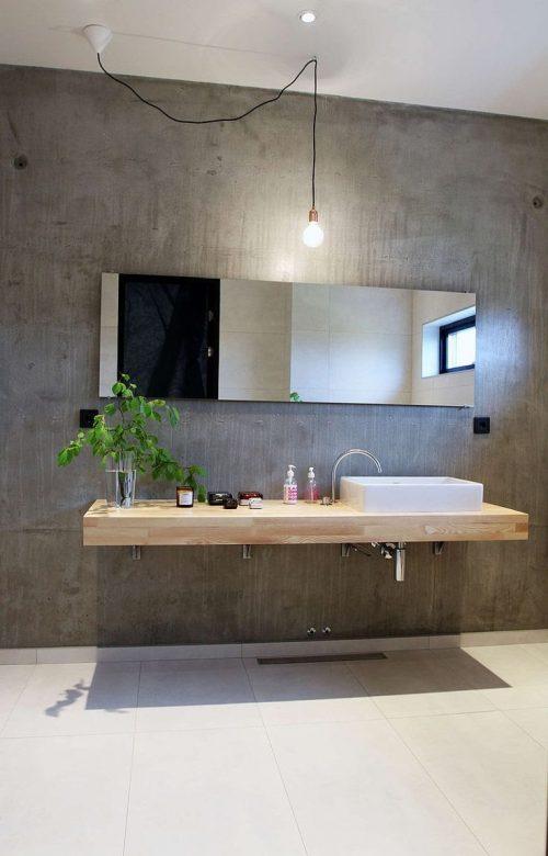 Zwevende houten werkbladen in badkamer badkamers voorbeelden - Badkamer exotisch hout ...